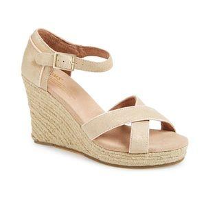 Toms metallic wedge sandals 7.5